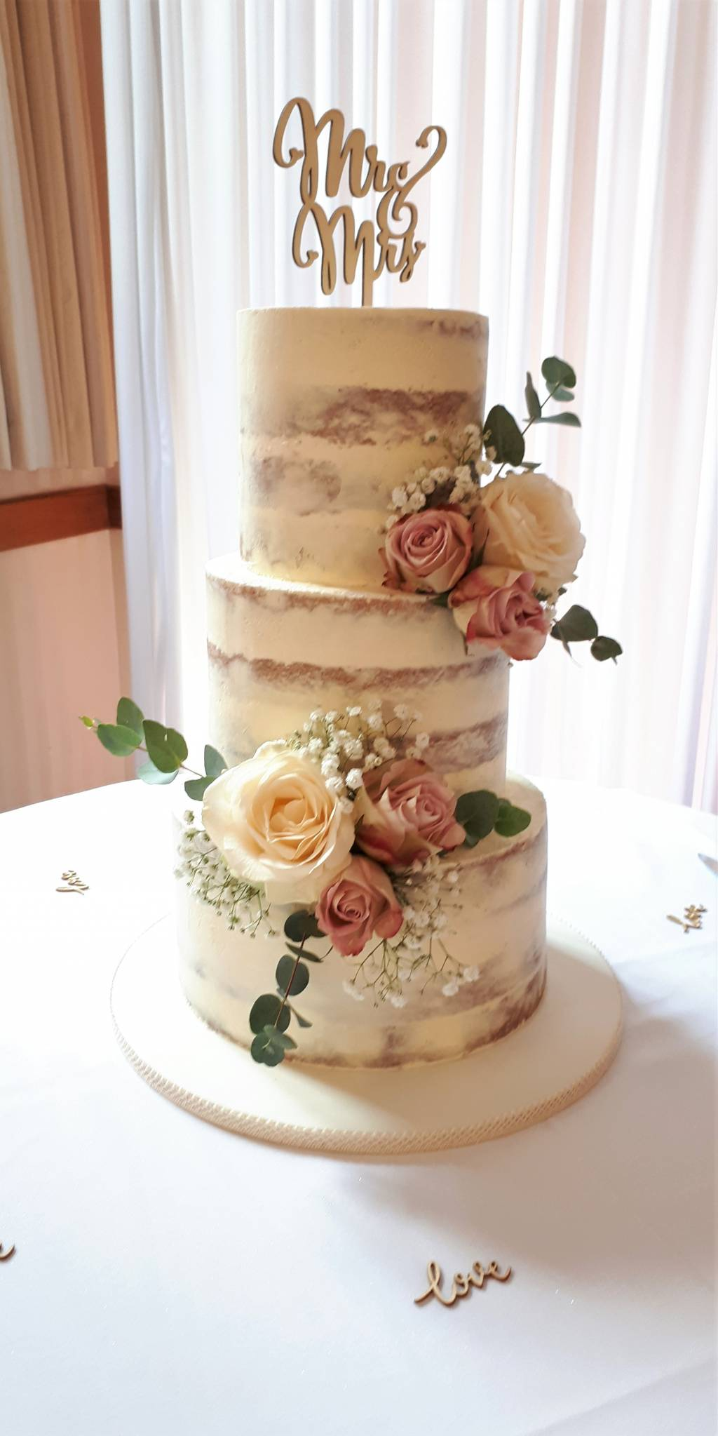 Image of a wedding cake