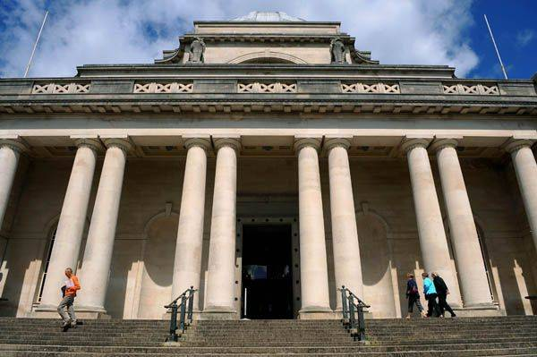 The main entrance to Cardiff National Museum